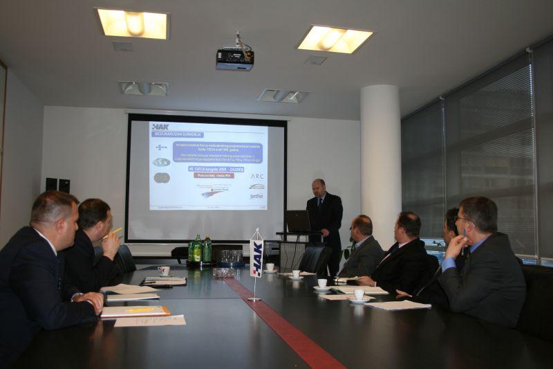 Rukovoditelj Sektora za vozače u HAK-u doc. dr. sc. Sinan Alispahić prezentira ispitni sustav HAK-a