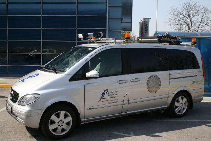 Specijalno vozilo za tzv. snimanje cesta