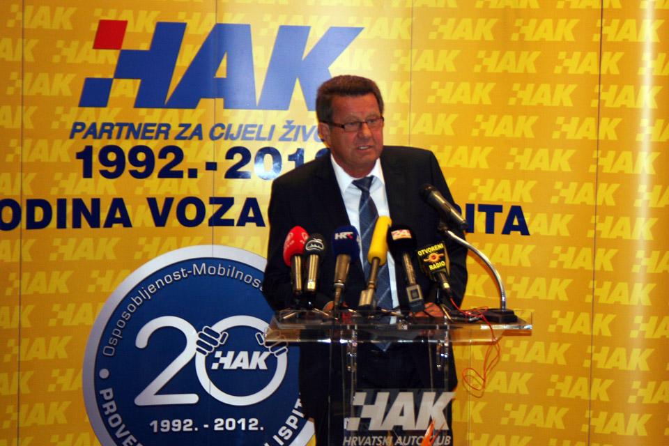 Predsjednik HAK-a, g. Slavko Tušek u obraćanju okupljenima na svečanosti
