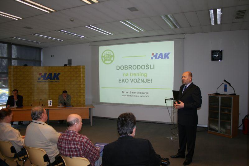 Dr.sc. Sinan Alispahić predstavlja projekt eko vožnje