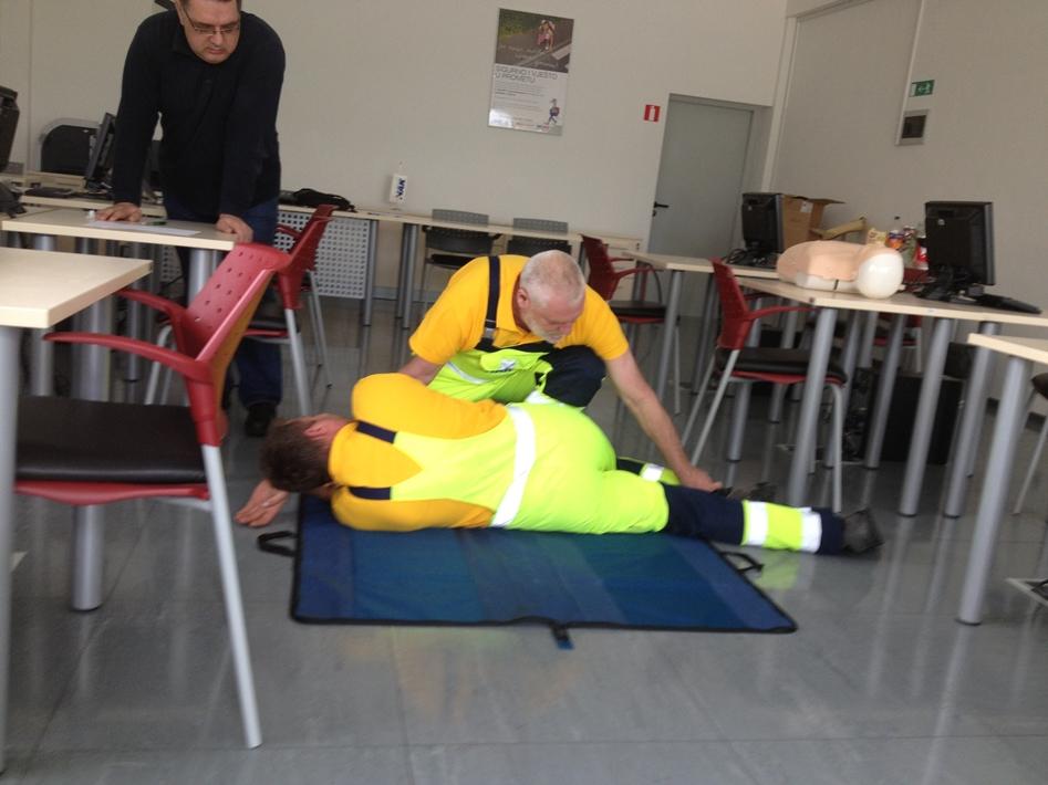 Seminar prve pomoći za radnike na poslovima pomoći na cesti