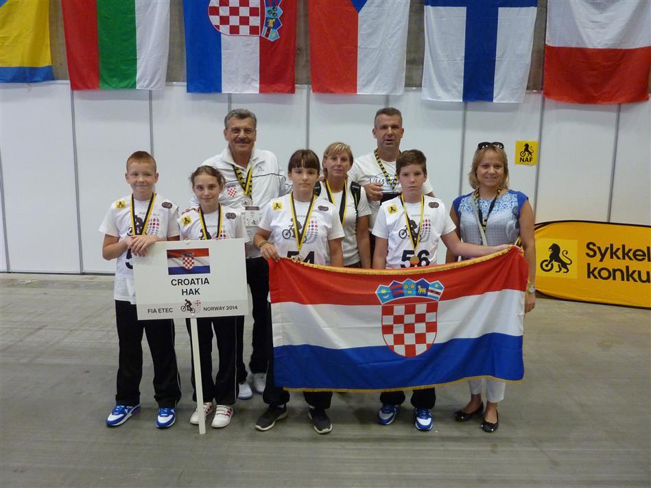 Ekipa Hrvatskog autokluba na europskom natjecanju prometnog odgoja 2014.