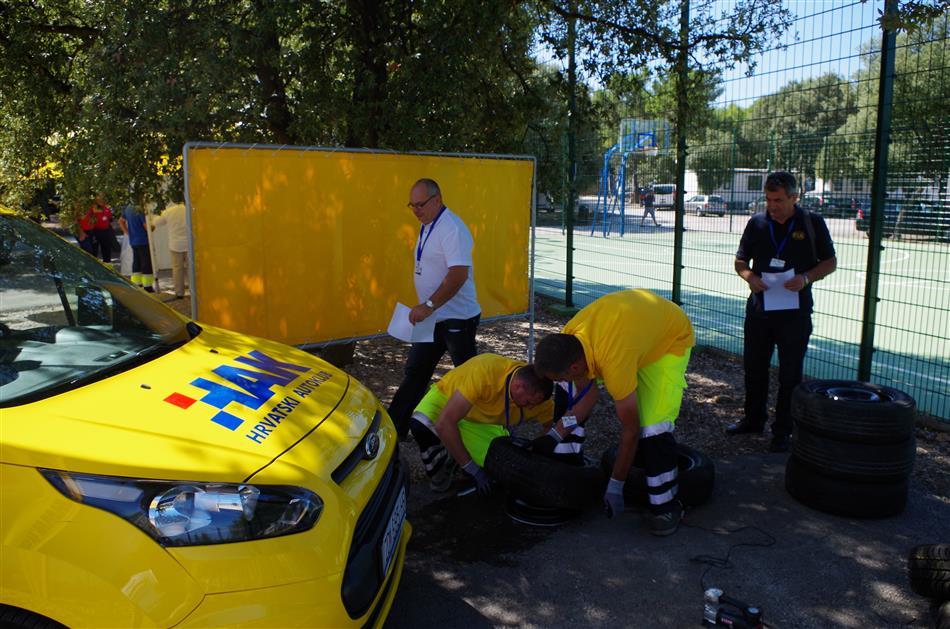 Predstavnici HAK-a-Pomoć na cesti – trening za izvrsnost (Road Patrol - Training for Excellence)