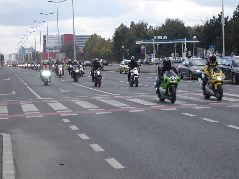 Mopedisti i motociklisti u prometu