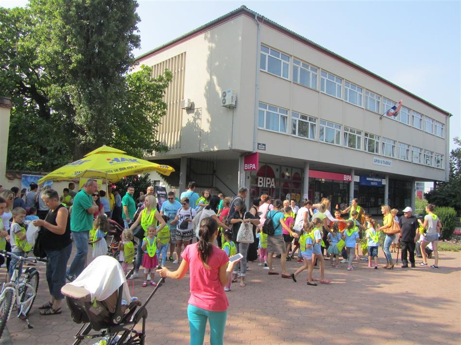 Autoklub Sesvete proveo akciju Sigurno u školu s HAK-om