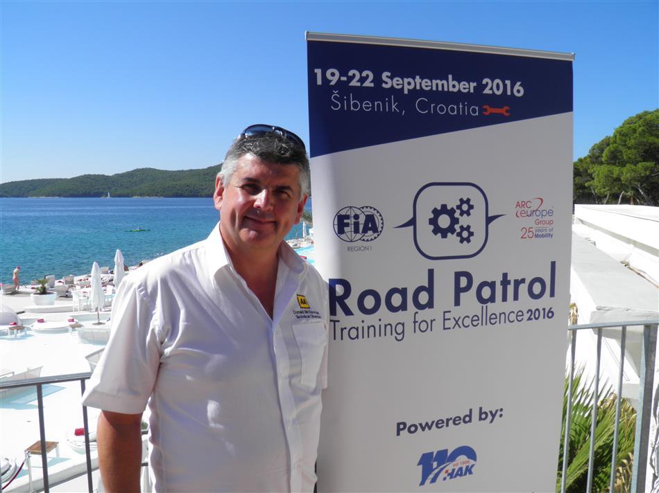 Pomoć na cesti – trening za izvrsnost (Road Patrol - Training for Excellence) - Donald JR MacSporran, tehnički direktor cestovnih operacija u AA-u i voditelj ispitivača-instruktora na natjecanju