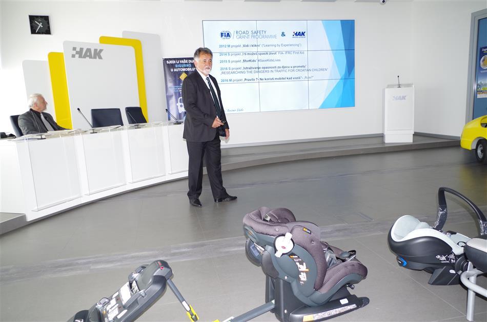 """Prezentacija Projekta """"Pravilo 6 – Siguran zagrljaj"""" - Krešimir Viduka iz HAK-a predstavio je niz akcija HAK-a i FIA-e"""