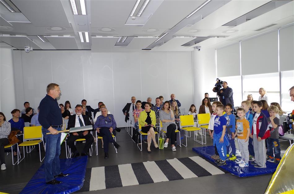 "Prezentacija Projekta ""Pravilo 6 – Siguran zagrljaj"" - Damir Novak iz HAK-a: Prezentacija akcije Vidi i klikni"