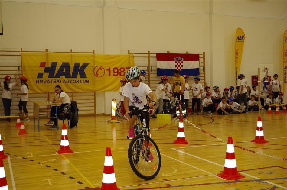 Praktični dio natjecanja na poligonu u O.Š. Zadarski otoci