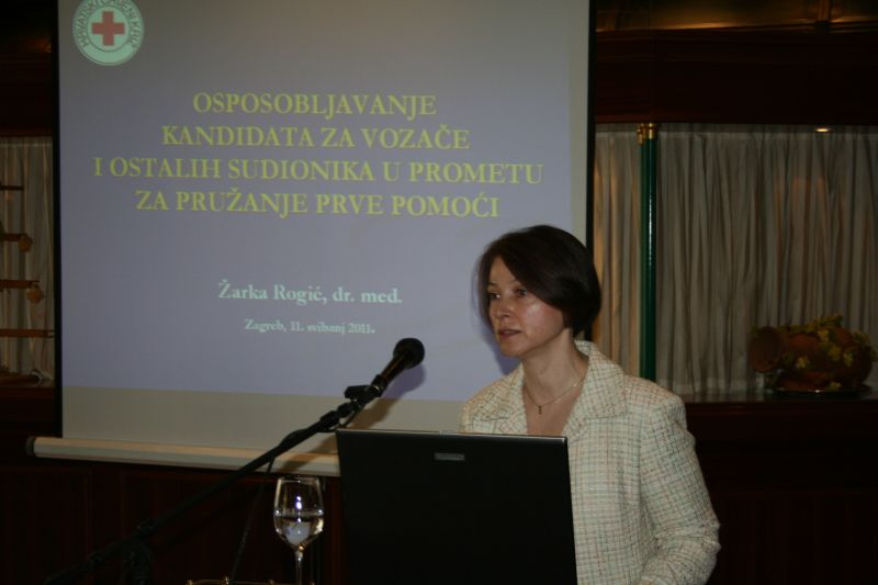 Žarka Rogić, Hrvatski crveni križ