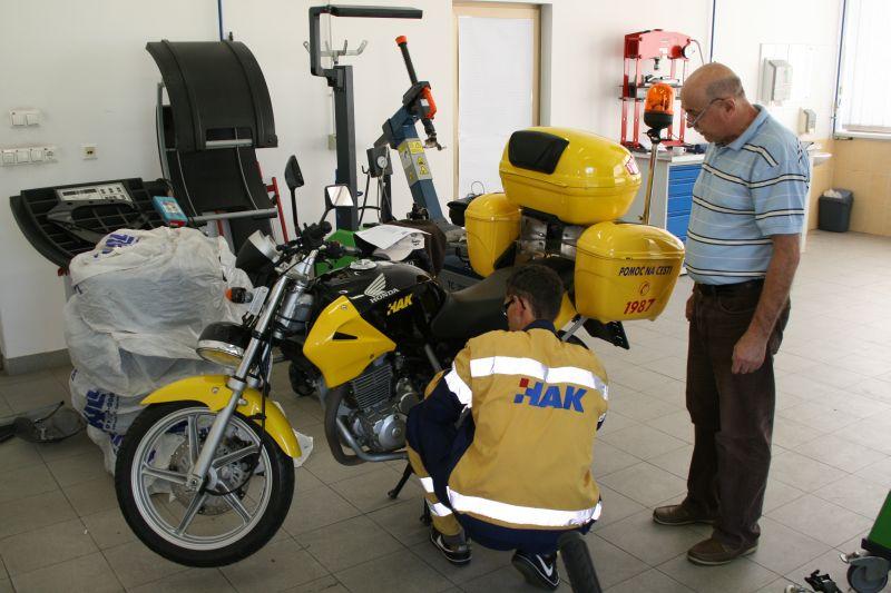 Najbolji moraju znati otkloniti kvar i na motociklima