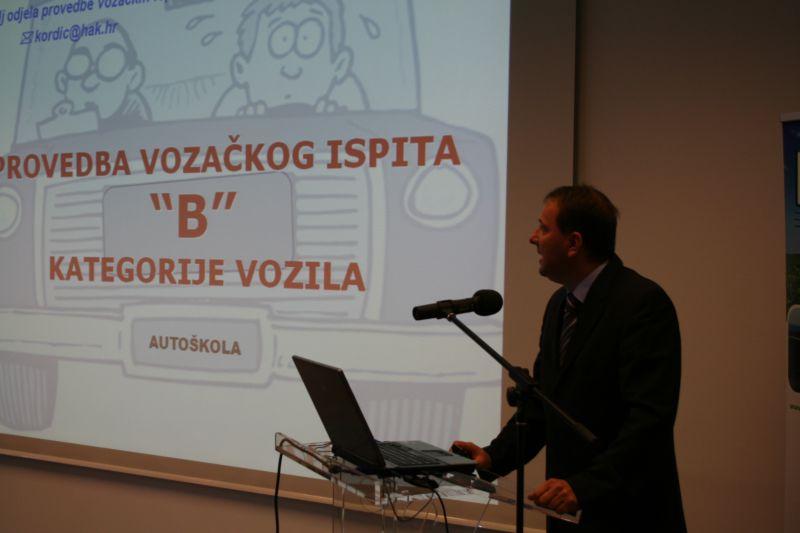 Prezentacija voditelja odjela provedbe vozačkih ispita u HAK-u mr. sc. Mladenka Kordića