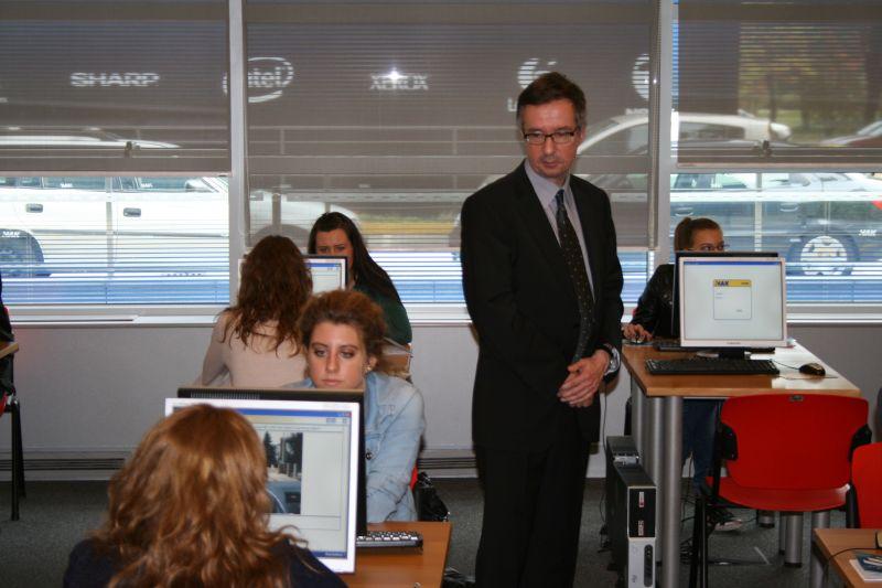 Nadzor teorijskog dijela ispita - obilazak učionica u HAK-u