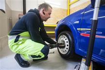 Besplatna zamjena zimskih i ljetnih guma u autoklubovima