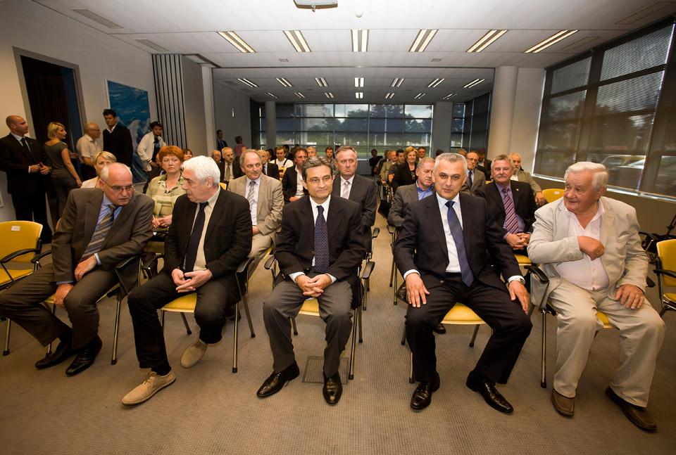 Bivši predsjednici HAK-a (slijeva: Tomislav Družak, Antun Vujić, Ivo Bikić, Slavko Degoricija) okupljeni uz bivšeg glavnog tajnika HAK-a, g. Borisa Šprema