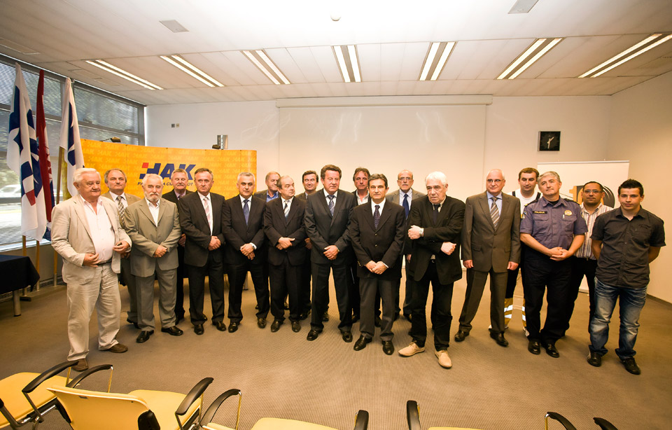 Okupljeni uzvanici i dobitnici ovogodišnjih nagrada HAK-a