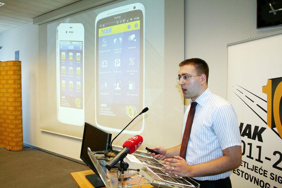 Goran Baotić iz HAK-a predstavlja aplikaciju (1)