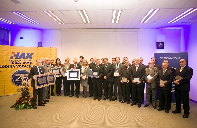 20. obljetnica provedbe vozačkih ispita u HAK-u - primatelji zahvalnica i priznanja