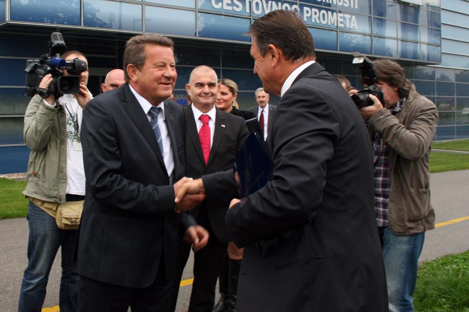 Predsjednik HAK-a, g. Slavko Tušek dočekuje prvog potpredsjednika Vlade RH, g. Radimira Čačića