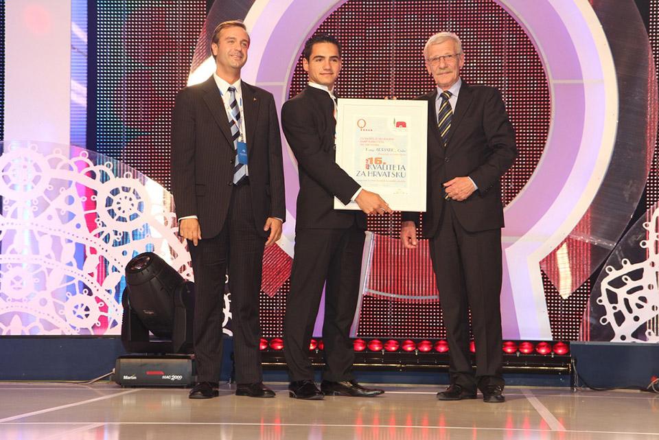 G. Pereira, predsjednik FICC i g. Šmuk, glavni tajnik HAK-a uručili su priznanja za 2. i 3. mjesto