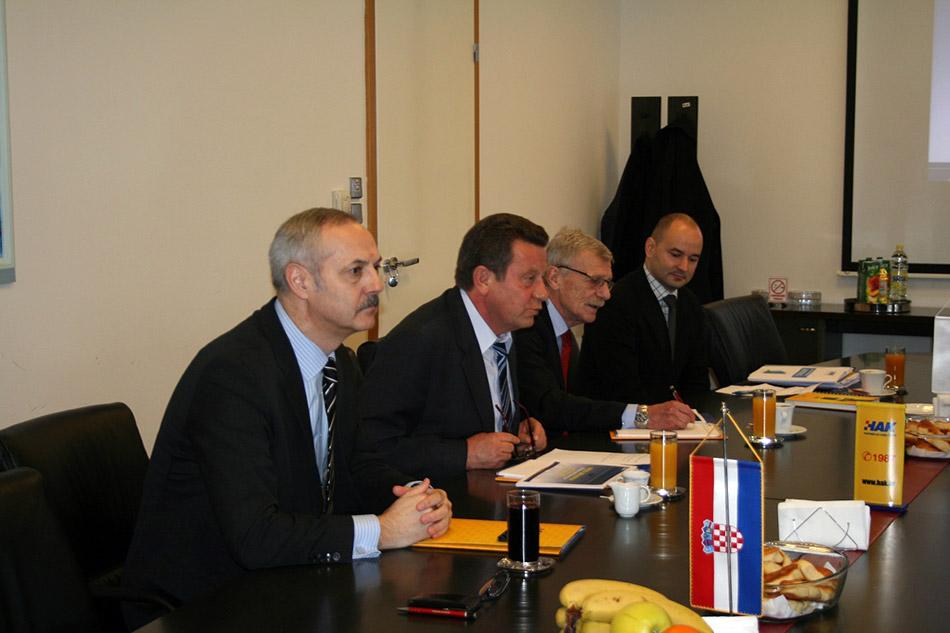 Predsjednik HAK-a g. Slavko Tušek sa suradnicima na sastanku