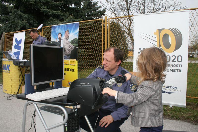 Za najmlađe posjetitelje računalna igrica na kojoj se voze motori