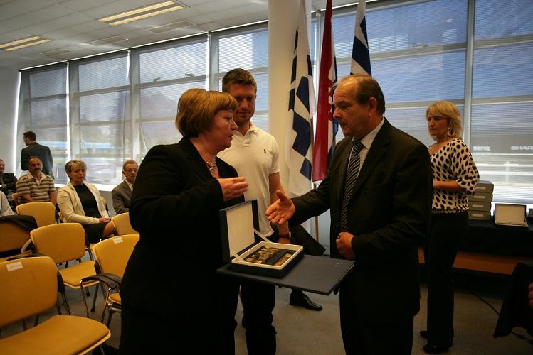 Zamjenik predsjednika Upravnog odbora HAK-a g. Marijan Ćurković i obitelj preminulog g. Borisa Šprema
