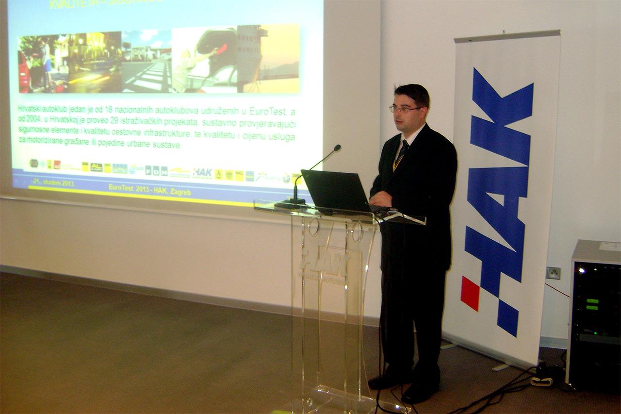 Igor Novačić predstavlja rezultate testiranja javnih parkirnih garaza