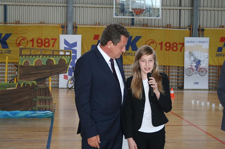 Predsjednik HAK-a Slavko Tušek i učenica iz Rovinja Karla Medakov otvorili su natjecanje