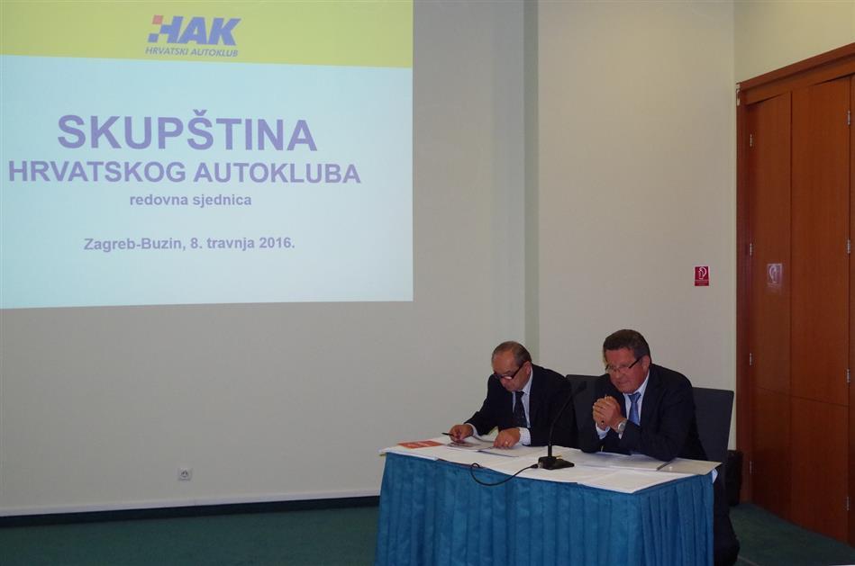 Predsjednik Hrvatskog autokluba g Slavko Tušek i zamjenik predsjednika Upravnog odbora dr. Marijan Ćurković