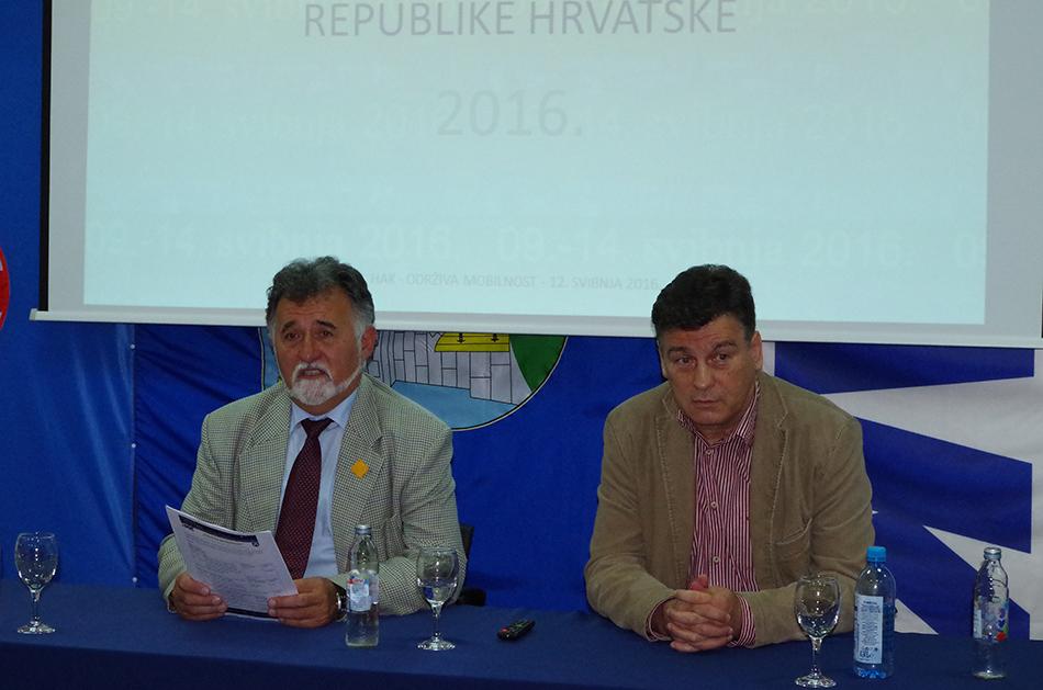 Mr.sc. Krešimir Viduka iz HAK-a i dr. sc. Damir Škaro iz AK