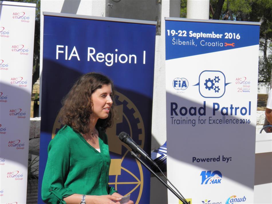 Pomoć na cesti – trening za izvrsnost (Road Patrol - Training for Excellence) - Irina Patrascu, FIA