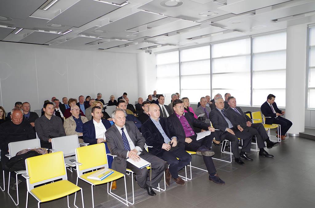 Predsjednici i tajnici temeljnih autoklubova udruženih u Hrvatski autoklub