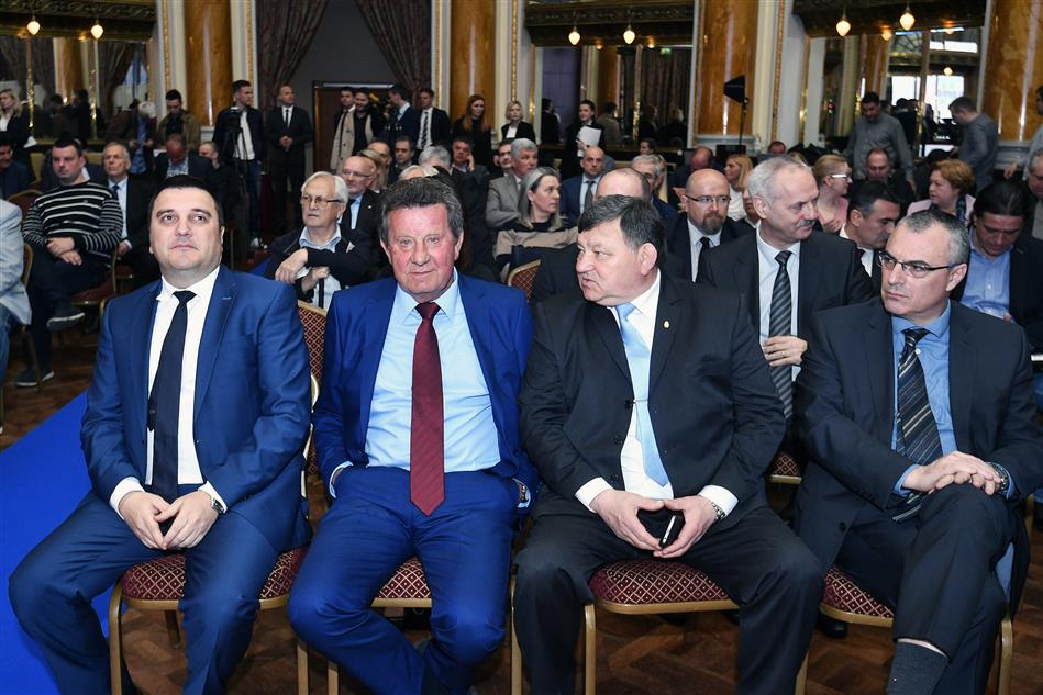 Glavni uredniik Jutarnjeg lista g. Goran Ogurlić, Predsjednik HAK-a g. Slavko Tušek i general Mladen Markač