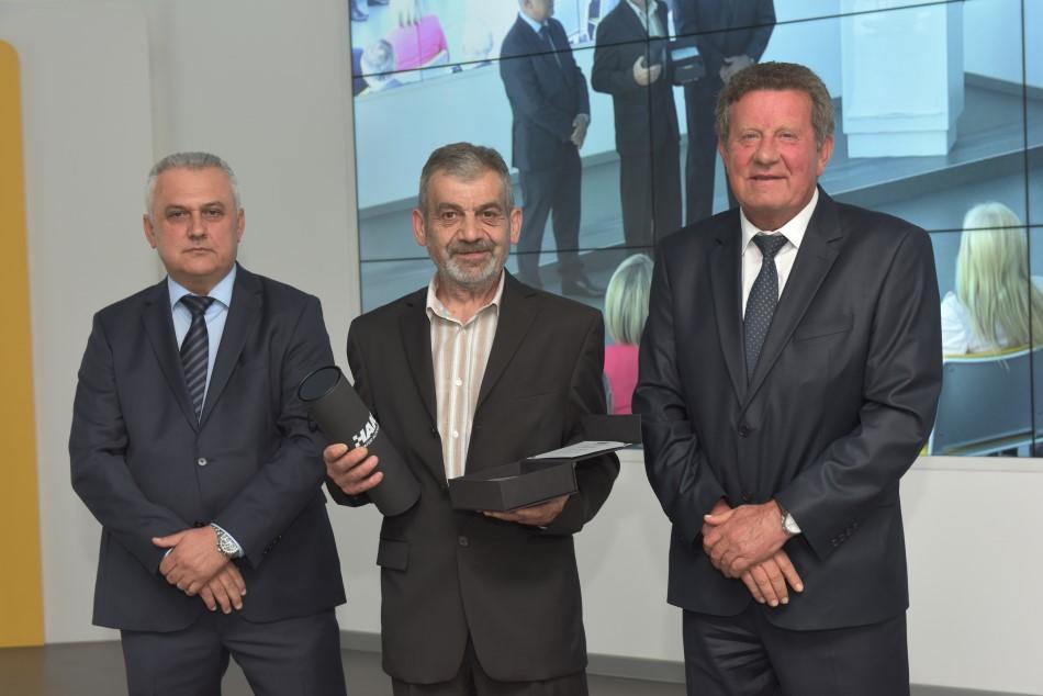 Godišnja nagrada Hrvatskog autokluba uručena je tajniku AK Sisak g Antunu Lohertu