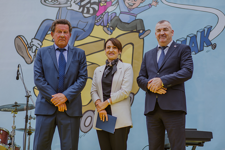 Slavko Tušek (predsjednik HAK-a), Jelena Pavičić Vukičević  (zamjenica gradonačelnika Grada Zagreba), Nikola Milina (glavni ravnatelj policije)