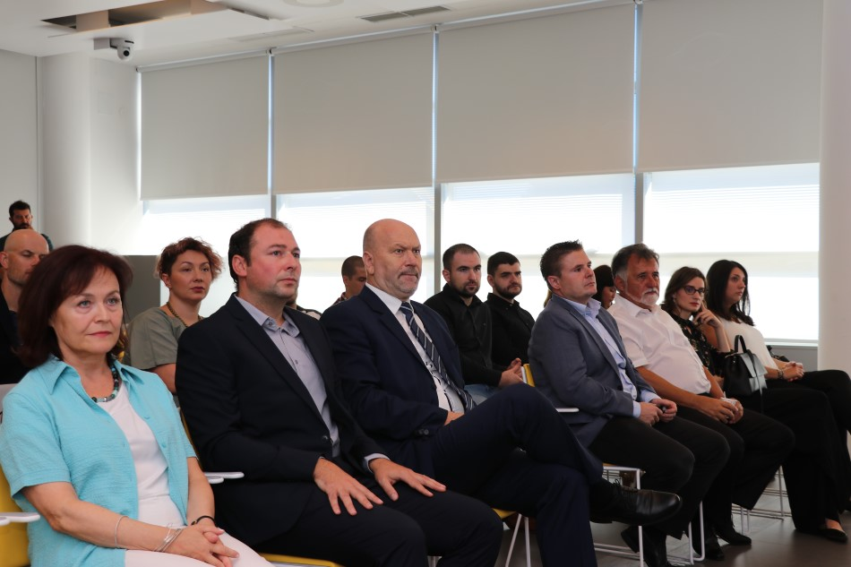 Brojni gosti i predstavnici HAK-a na stručnom skupu u Hrvatskom autoklubu