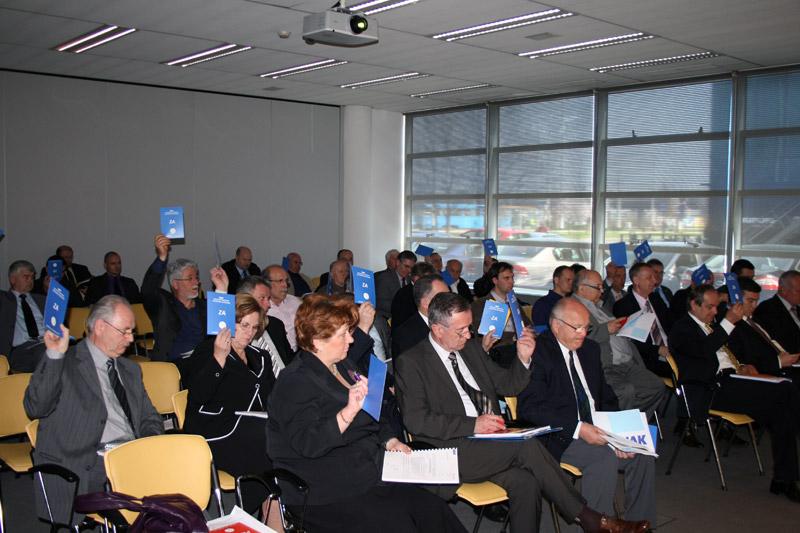 glasanje tijekom Skupštine HAK-a