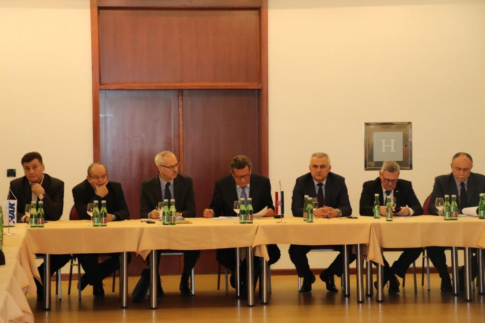 Sastanak predsjednika i tajnika temeljnih autoklubova u Vukovaru