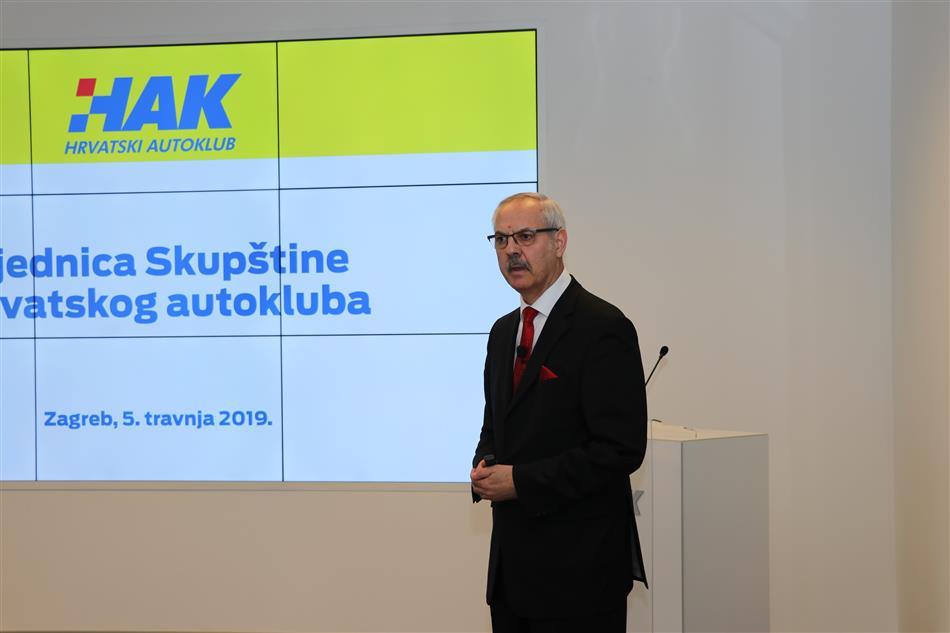 Glavni tajnik Hrvatskog autokluba Željko Mijatović
