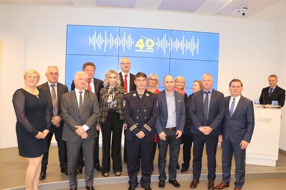Primatelji zahvalnica povodom 40 godina Informativnog centra HAK-a