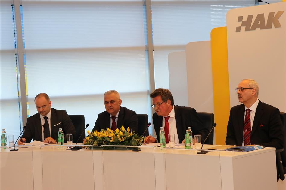Predsjednik HAK-a Slavko Tušek sa Zamjenikom Ivom Bikićem, Glavnim tajnikom Željkom Mijatovićem i zamjenikom glavnog tajnika dr.sc. Igorom Šiškom