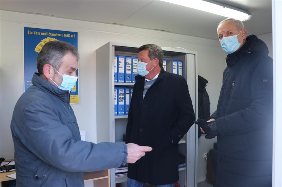 HAK-ova donacija kontejnera Autoklubu Sisak