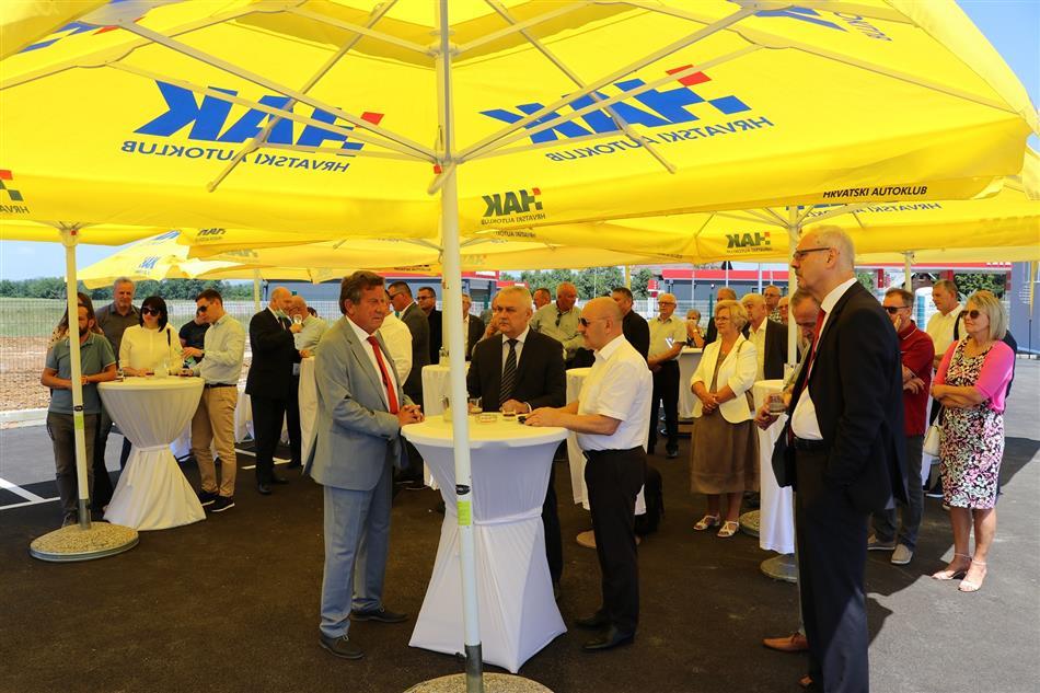 Otvorena je Tehnička baza Hrvatskog autokluba u Gospiću