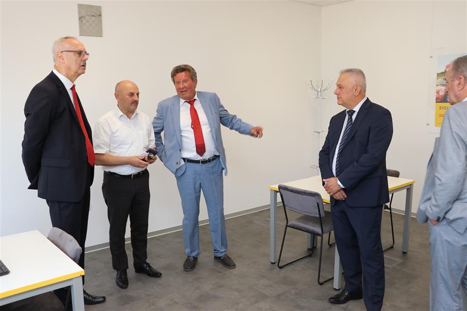 Obilazak vozačko-ispitnog centra  u sklopu Tehničke baze Gospić.