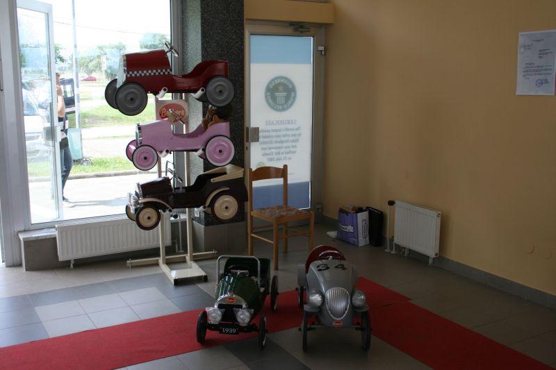 Dječija vozila dizajnirana prema oldtimerima