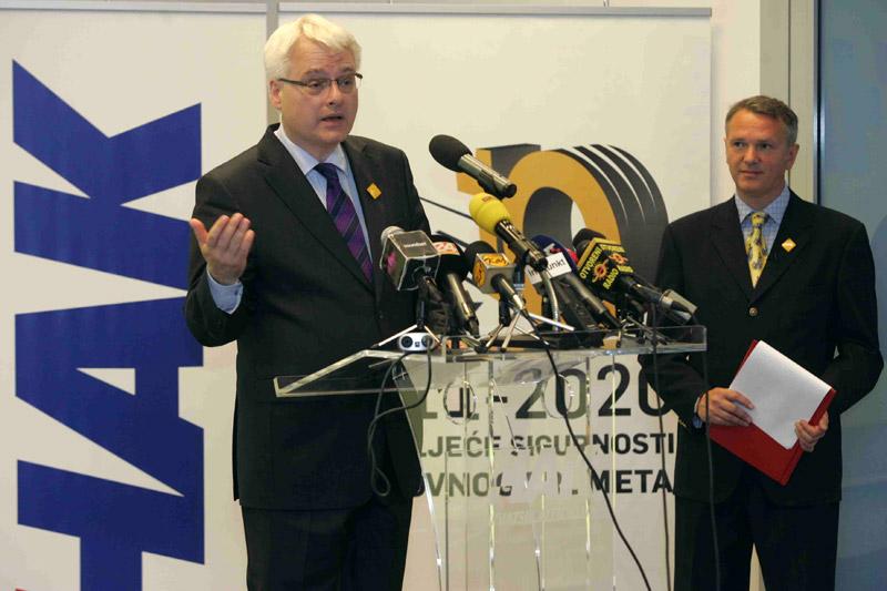 Predsjednik Ivo Josipović održao je dirljiv govor u kojem je istaknuo i svoje osobno iskustvo s uslugama HAK-a
