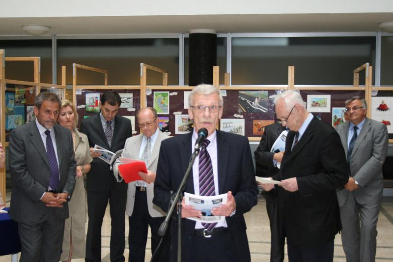 Glavni tajnik HAK-a Zvonko Šmuk na otvorenju 5. Međunarodnog zagrebačkog salona autokarikature